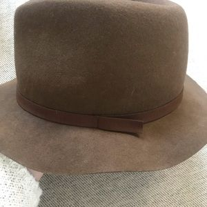 Ecote Urban Outfitters fedora hat